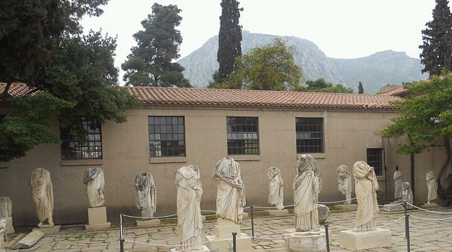 Ancient Corinth - taxinafplio.gr transfer services